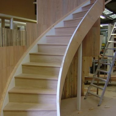 Oak Staircase with Glass Balustrade (5088)