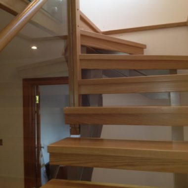 Oak & Glass Balustrade Staircase